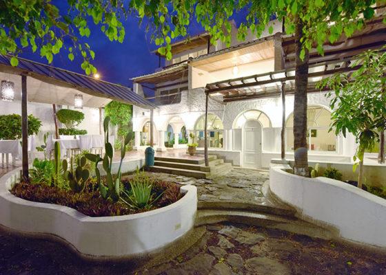 galapagos hotel casa opuntia natural atracctions
